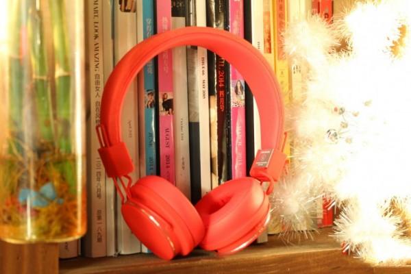 彰显个性化元素 多款时尚风格耳机推荐